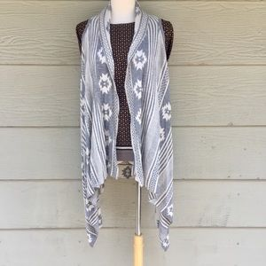 NWOT Aztec Light Gray Sleeveless Open Cardigan
